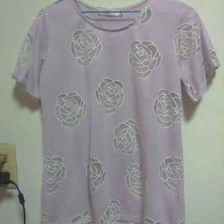 三件400:粉紫色玫瑰鏤空透膚上衣