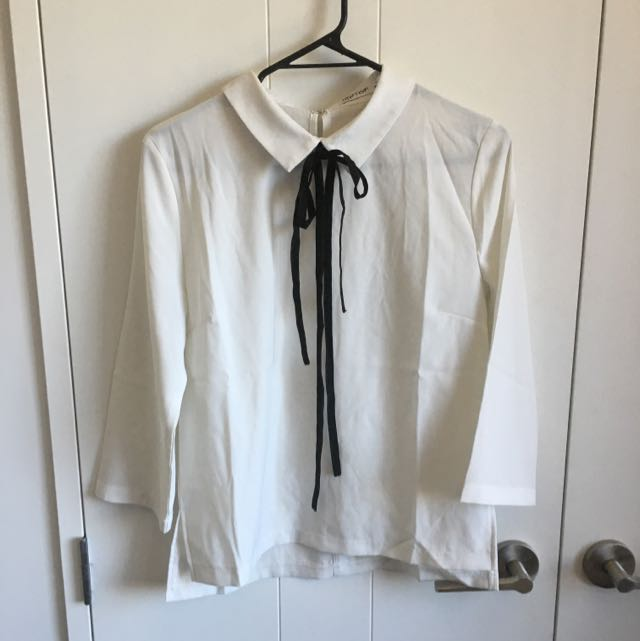 3/4 Blouse With Cute Tie