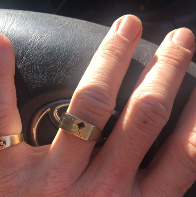 9ct Gold With Diamond Ring