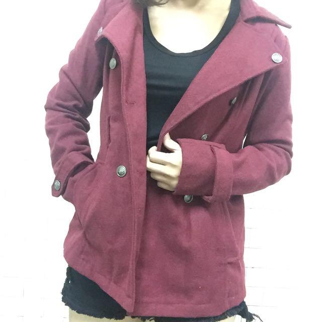 翻領酒紅色外套