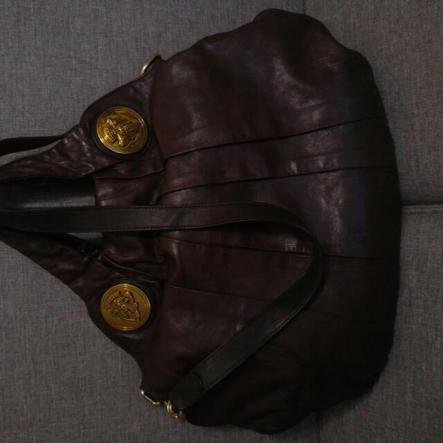 Authentic Gucci in Burgundy Leather Hysteria Tote bag with removable strap.