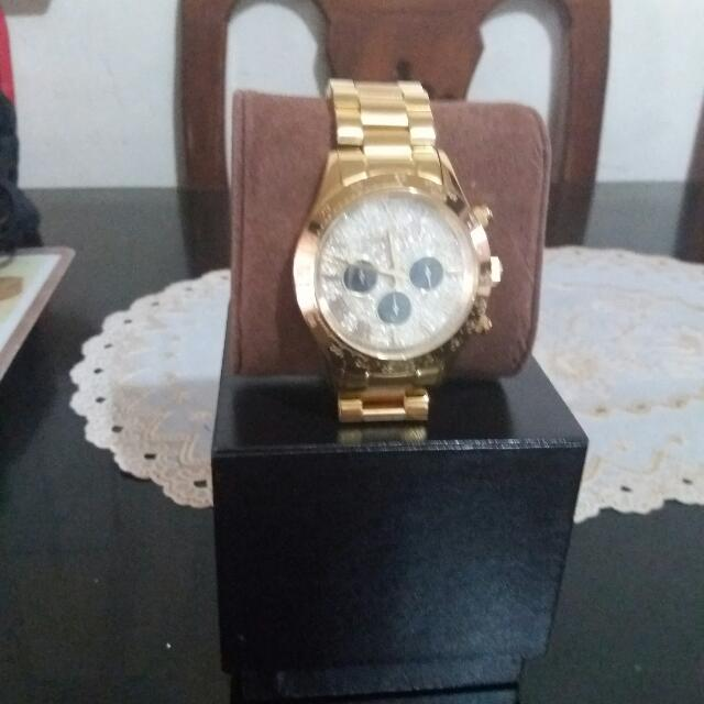 8da9a4ce3a5c Authentic Michael Kors Watch Bought In Norway