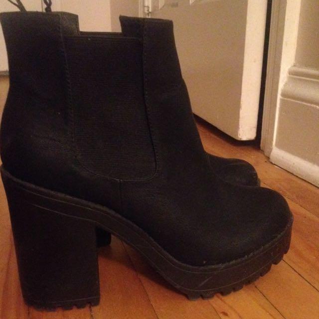 Black Boots - size 8