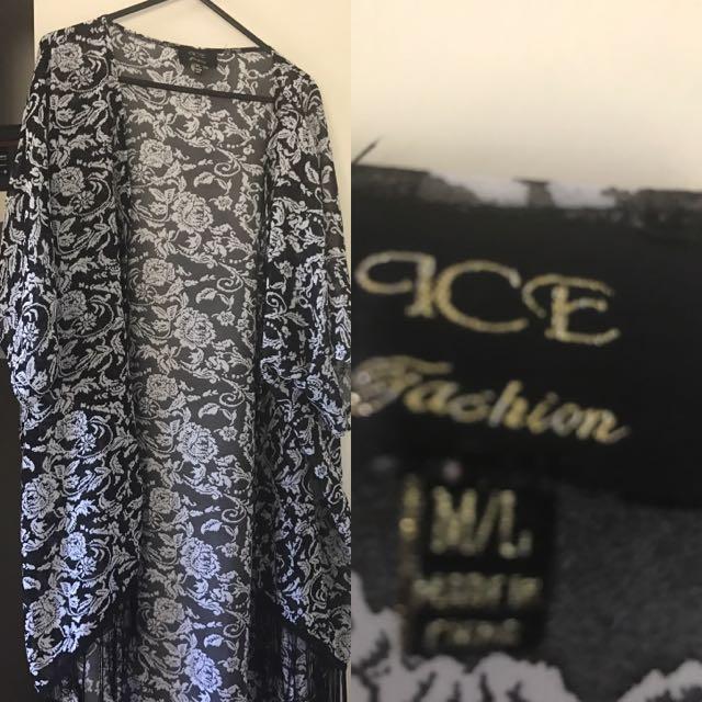 Black/White Floral Kimono Size M\L