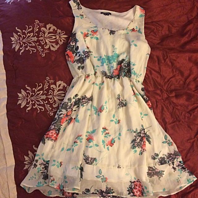 Cute White/cream Dress