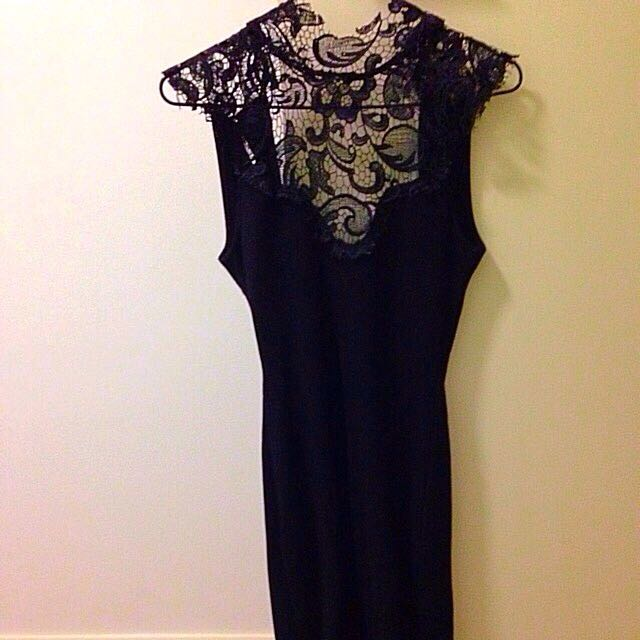 Fitted Lace Dress (size 8)