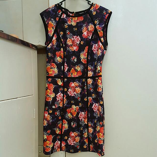 Floral printed dress (fits Size 10 to 12)