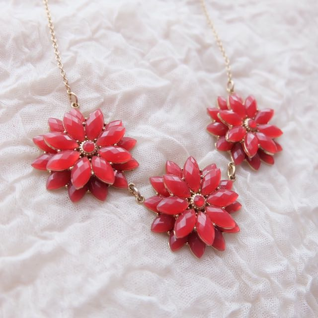 H&M Red Flower Necklace