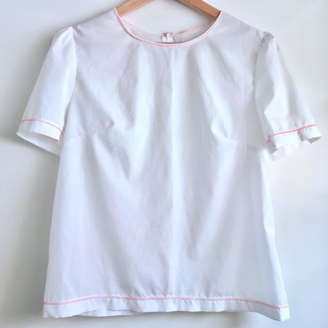 Mossman White Top with Constrast Stitching