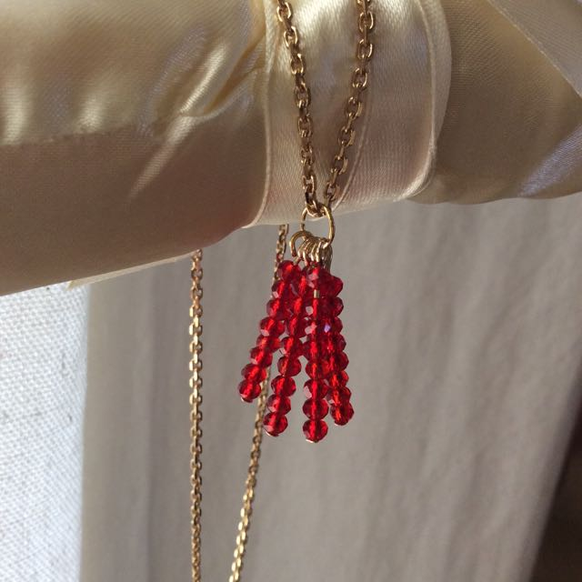 Red Tassel pendant necklace