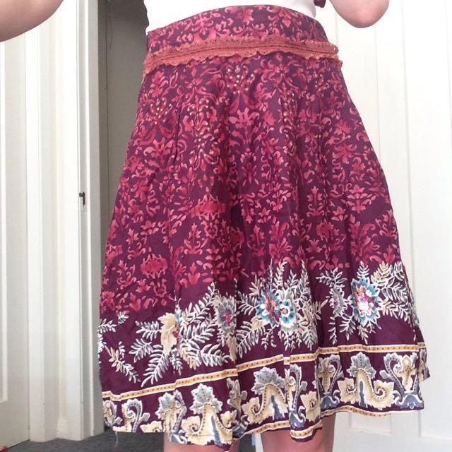 Size 8-10 Women's Skirt