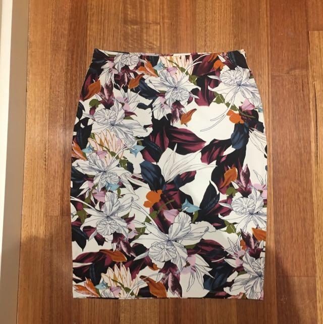Sportsgirl Skirt Size Small Never Worn