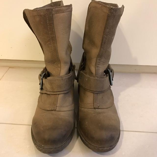 Stevemaden靴子~近全新全新⋯基本款☝🏻️