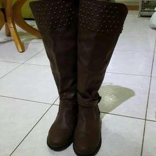 咖啡色長靴