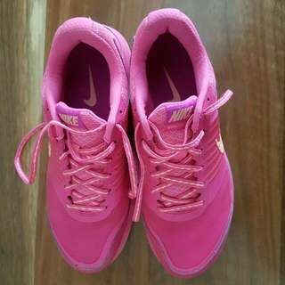 Nike Woman Shoes US Size 6.5 Pink