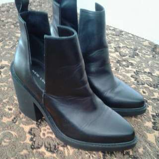 Size 8 Black Boots (Good Condition)