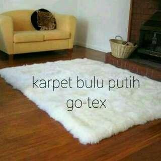 Karpet Bulu Putih