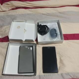 Full Retail Set Mint Condition Sony Z1