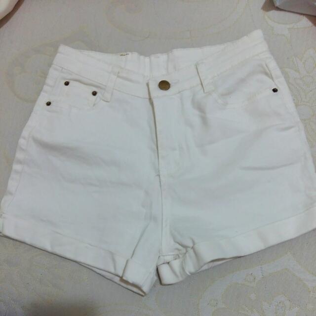 (含運郵寄)白色短褲