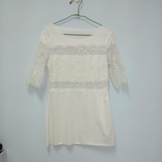 ✅全新  白蕾絲造型長版衣