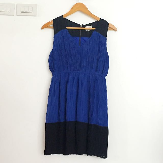 BLACK/BLUE PLEATED DRESS