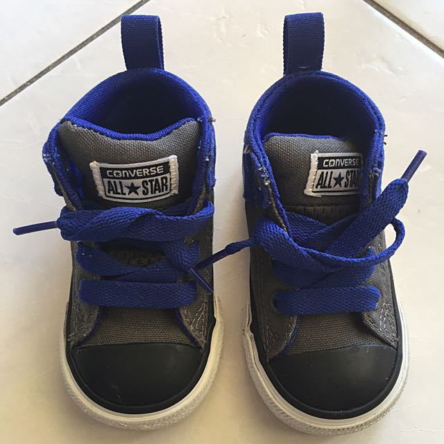 Boys Shoes CONVERSE size 5