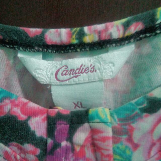 Candie's Sexy floral top