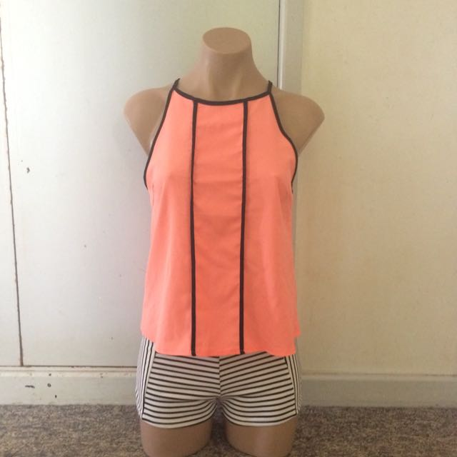 Chica Booti Size 8 Bright Pink Top