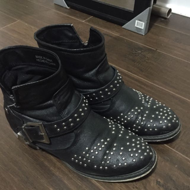 Forever 21 Boots Size 8