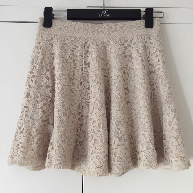 H&M Flower Lace Mini Skirt