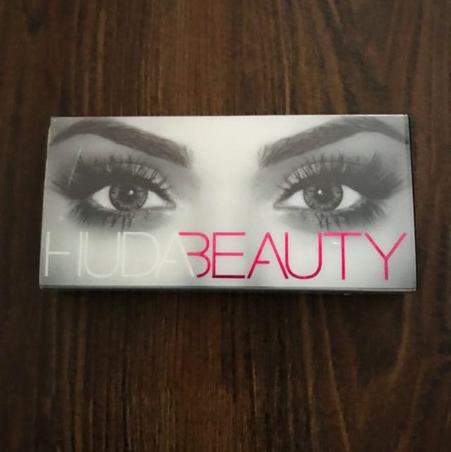 6c2019c0a2f Huda Beauty Giselle Lashes #1, Health & Beauty, Makeup on Carousell