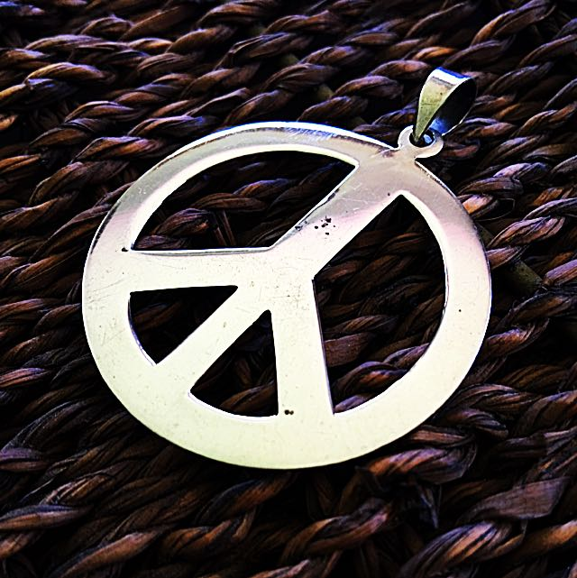 PEACE PENDANT LARGE 925 STERLiNG SiLVER