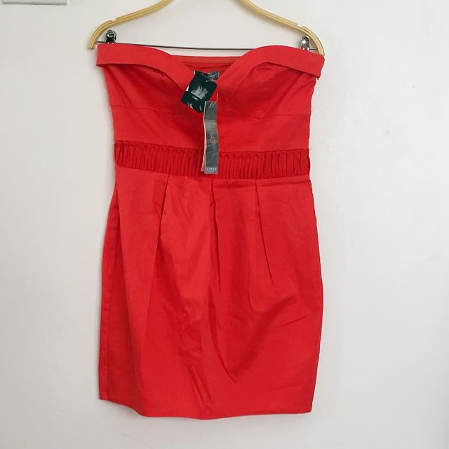 RED DRESS WITH WAIST DETAILS
