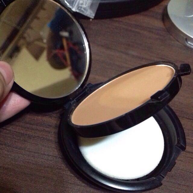 ‼️REPRICED‼️ Lorac Oil Free Wet/Dry Powder Makeup