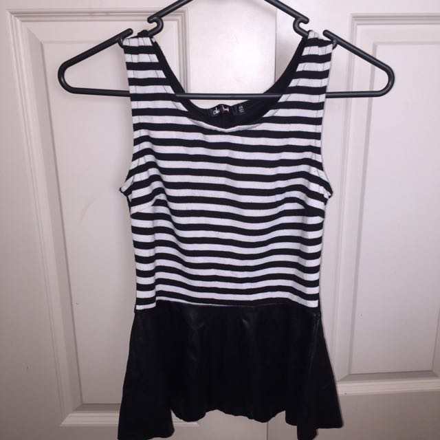 Size XS ValleyGirl Strong Peplum Top