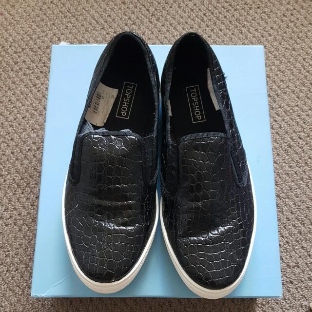 TOPSHOP Black/White Croc Slip On Shoes Size 41/10