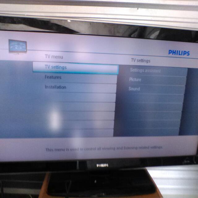 TV Big Screen Flat Screen Philips 52 Inch