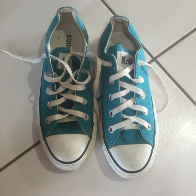 Womens blue converse size 6