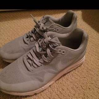 Grey Nike Air Max Size USA 9