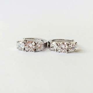 3 Zircon Silver hoop earrings
