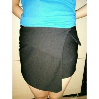 Celana Pendek BKK  Warna HITAM fit To M *baru 2 Kali Pakai