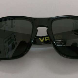 Sunglasses - OAKLEY Holbrook VR46