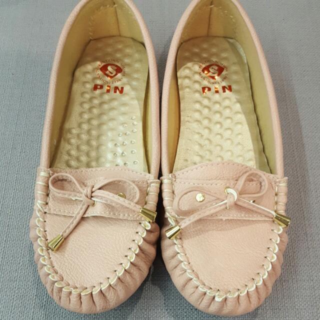 粉色娃娃鞋