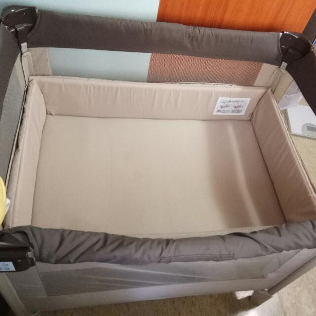Aprica coconel嬰兒床
