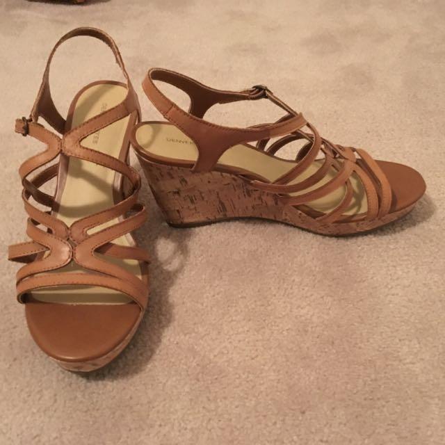 Denver Hayes Sandal Size 11