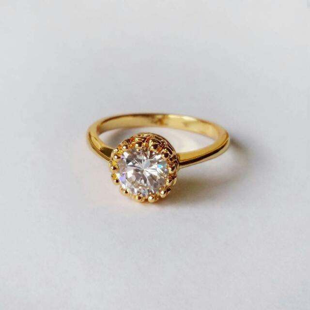 Golden crown Ring