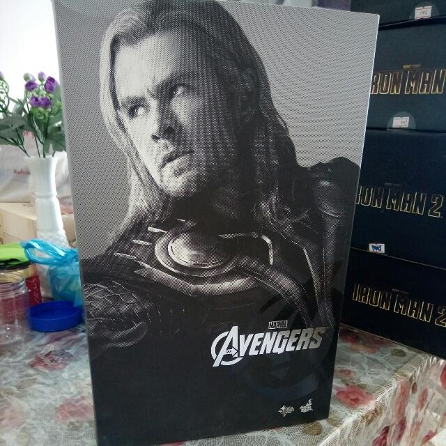 RESERVED HOT Toys THOR AVENGERS