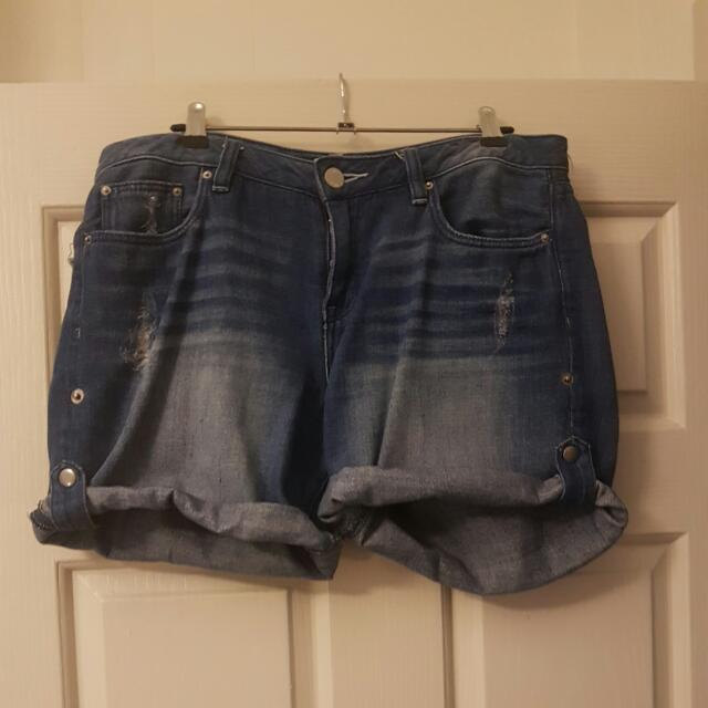 Jeanswest Distressed Boyfriend Short Size 12