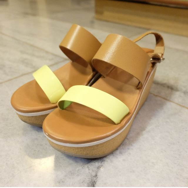 [REPRICE] NINE WEST Platform Sandals Brown / Yellow