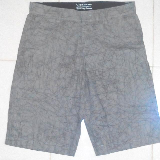 87204ecc2 Pants Short Giordano, Men's Fashion, Clothes, Bottoms on Carousell